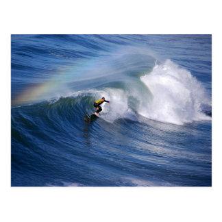 Arco iris sobre una postal de la persona que
