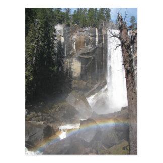 Arco iris vernal de las caídas - Yosemite Tarjeta Postal