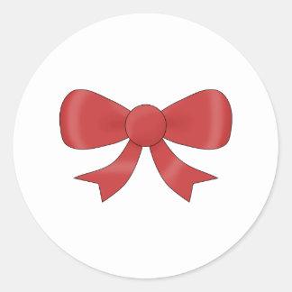 Arco rojo de la cinta. En blanco Pegatina Redonda