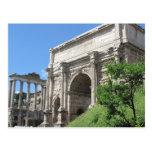 Arco romano del foro de Titus - Roma, Italia Postal