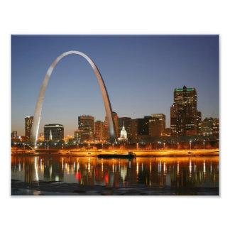 Arco St. Louis Mississippi de la entrada en la noc Impresiones Fotograficas