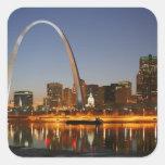 Arco St. Louis Mississippi de la entrada en la noc Calcomania Cuadradas Personalizadas
