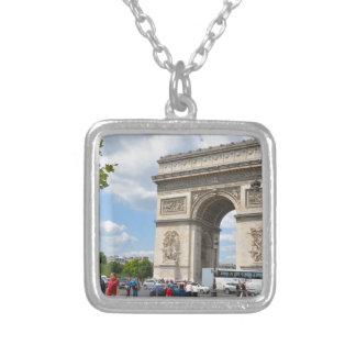 Arco triunfal en el bulevar de Elysees de los Colgante Cuadrado