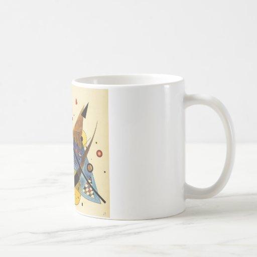 Arco y punto taza de café