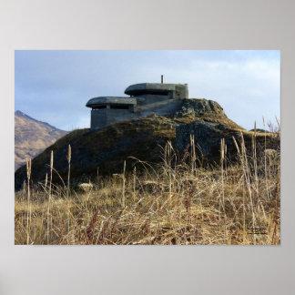 Arcón del puesto de observación de WWII en el Bunk Posters