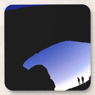 Arcos del barranco en Utah crepuscular Posavasos De Bebida