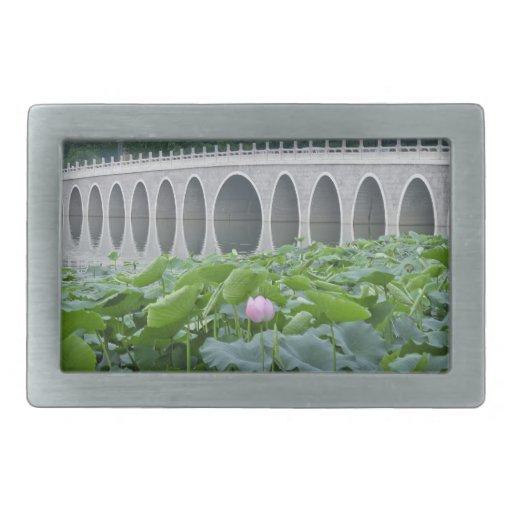 Arcos reflectores del puente de la charca de Lotus Hebilla Cinturon Rectangular