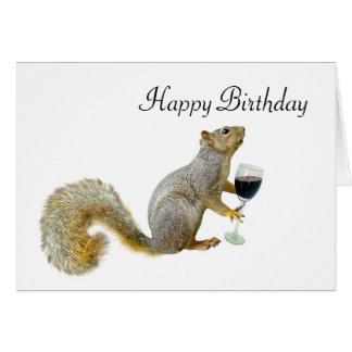 Ardilla con la ardilla del cumpleaños del vino tarjeta de felicitación