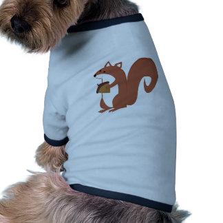Ardilla con la nuez camiseta con mangas para perro