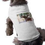 Ardilla de Santa en cesta del navidad Nevado Camisetas De Mascota