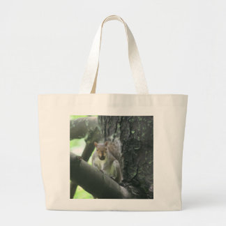 Ardilla en la bolsa de asas animal del arte del ár