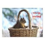 Ardilla en la cesta Nevado en foto del invierno Comunicado Personalizado