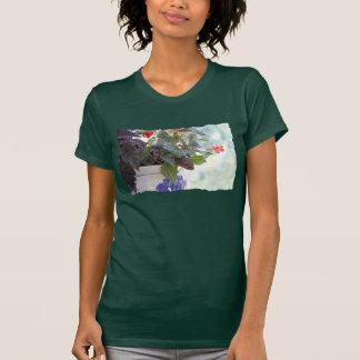 Ardilla linda en una maceta camisetas
