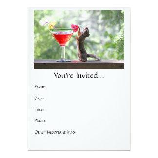 """Ardilla que bebe un cóctel en la hora feliz invitación 5"""" x 7"""""""
