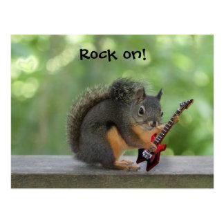 Ardilla que toca la guitarra eléctrica postal