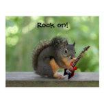 Ardilla que toca la guitarra eléctrica postales