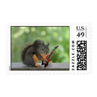 Ardilla que toca la guitarra eléctrica timbres postales