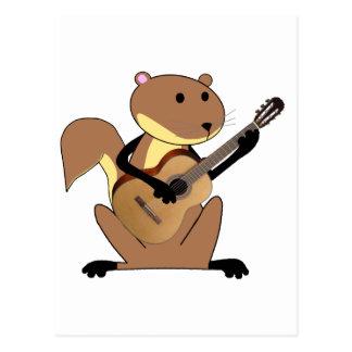Ardilla que toca la guitarra postal