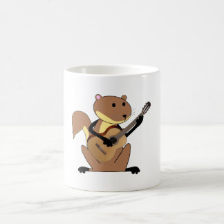 Ardilla que toca la guitarra taza