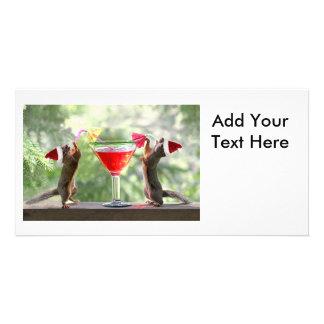 Ardillas de Santa que beben un cóctel Tarjetas Fotográficas Personalizadas