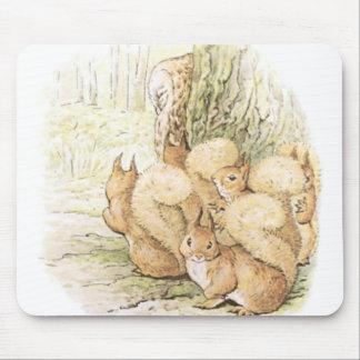 Ardillas del vintage cinco alfombrilla de ratón