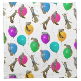 Ardillas en servilletas de los globos