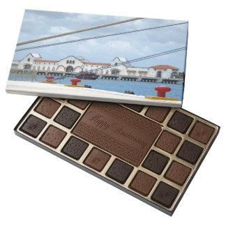Área de embarque de Cozumel Caja De Bombones Variados Con 45 Piezas
