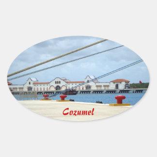 Área de embarque de Cozumel Calcomanía De Oval Personalizadas