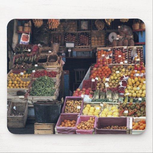 Área de Europa, Italia, Venecia. Frutas coloridas  Alfombrilla De Ratón