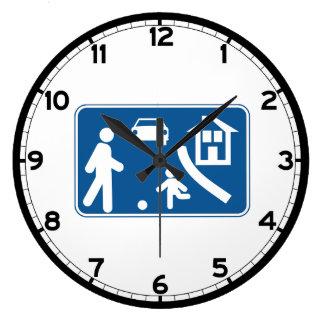 Área residencial, señal de tráfico, España Reloj Redondo Grande