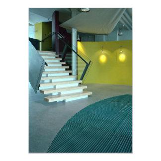 """Área y escalera de recepción para el diseño de invitación 5"""" x 7"""""""