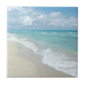 Arena extrema del blanco de la opinión de la playa azulejo cuadrado pequeño