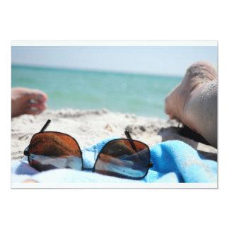 arena, sol y sombras invitación 12,7 x 17,8 cm