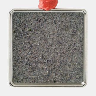 Arena y textura rocosa adorno cuadrado plateado