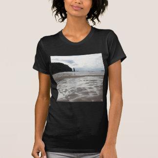 Arenas mojadas del agua después de la marea camiseta