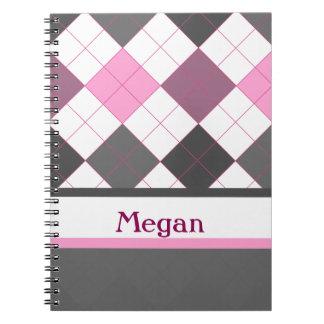 Argyle femenino rosado y gris lindo con nombre de spiral notebook