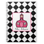 Argyle negro y cuaderno rosado del profesor
