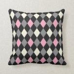 Argyle rosado y negro almohada