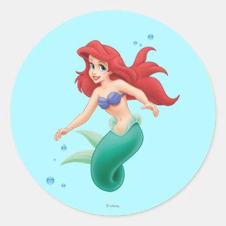 Ariel con las burbujas pegatina redonda