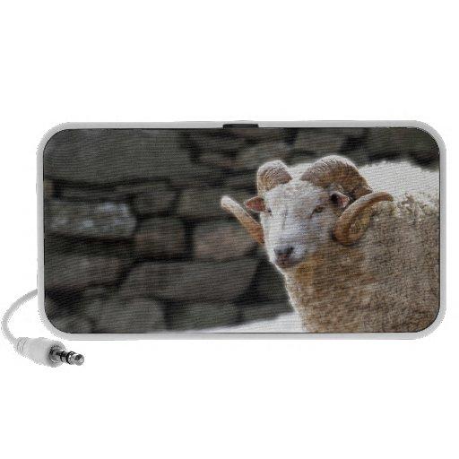 Aries el espolón iPod altavoces