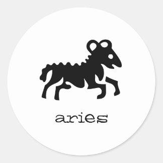 Aries en negro etiqueta redonda