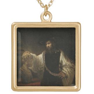 Aristóteles (384-322 A.C.) con un busto del home r Colgante Cuadrado