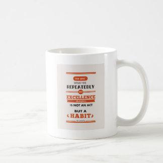 Aristóteles somos lo que lo hacemos en varias taza de café