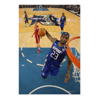 ARLINGTON, TX - 14 DE FEBRERO:  LeBron James #23 2 Póster