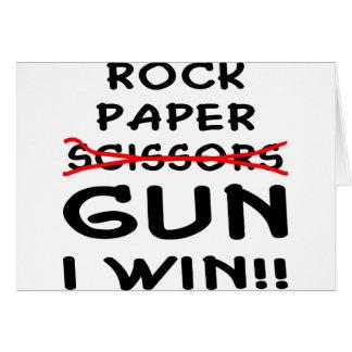 Arma de papel de las tijeras de la roca que gano tarjeta de felicitación