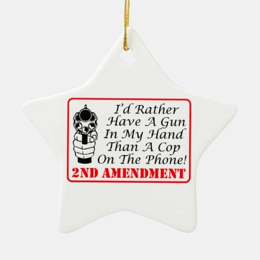 Arma en mi mano que un poli en el teléfono adorno navideño de cerámica en forma de estrella