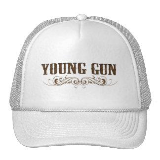 arma joven gorra