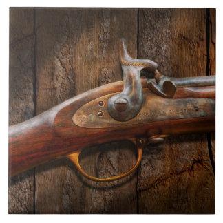 Arma - mosquete - arsenal de Londres Azulejo Cuadrado Grande