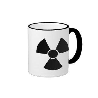 Arma nuclear negra taza de dos colores