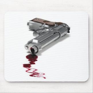 Arma sangriento tapete de ratón